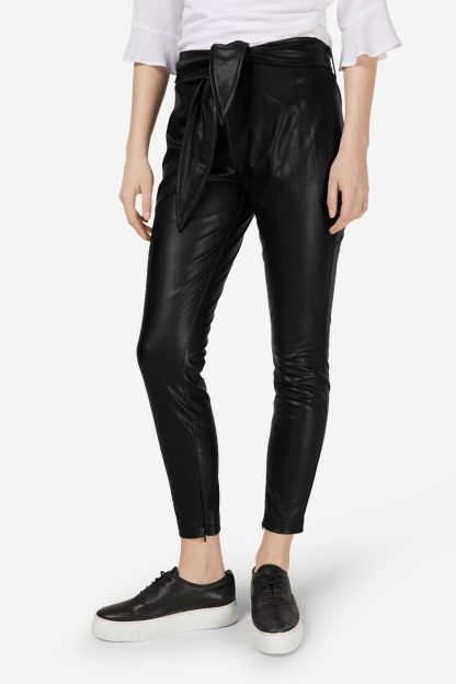 Aaiko Pantaloni  negru