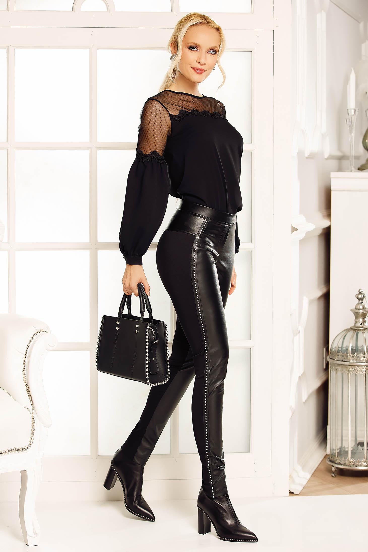 Pantaloni Fofy negri cu talie medie material din piele ecologica cu aplicatii cu pietre strass
